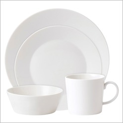 Royal Doulton - Fable Tableware 16 Piece Dining Set Finish: White - Dinnerware Sets