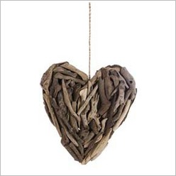 Stoneleigh & Roberson - Driftwood Hanging Heart Deco in Natural Size: Large - Hangings, Chimes, Bells & Gongs