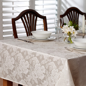 House x Home Damask Table Cloth Medium - Cream
