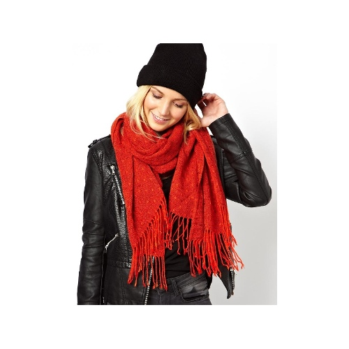 Textured Knit Tassel Scarf