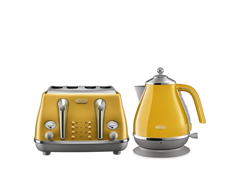 DeLonghi Icona Capitals Kettle and 4 Slice Toaster Breakfast Pack CTOC4003YKBOC2001Y