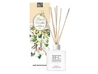 Living & Giving Banks & Co French Vanilla Luxury Diffuser 150ml