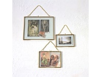 Living & Giving Brass Photo Frame With Chain 5x7