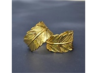 Living & Giving Feather Napkin Ring Gold Each