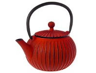 Living & Giving Cast Iron Ribbed Teapot Red 500ml